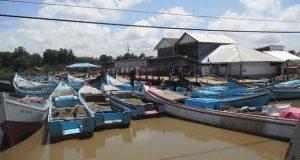 Suriname releases 9 Guyanese fishermen