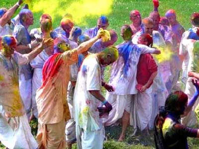 Celebrating Phagwah