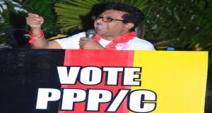 Attorney-General and Minister of Legal Affairs, Anil Nandlall, addressing PPP/C supporters (Adrian Narine photo)