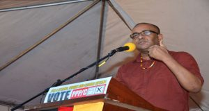 Former president, Dr. Bharrat Jagdeo addressing the Kitty rally on Sunday
