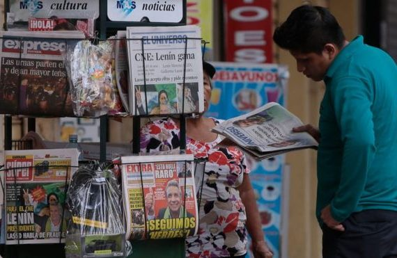 Ecuador fines media for not publishing a story