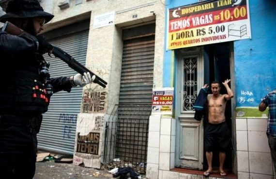 Brazil police raid Sao Paulo 'Crackland'