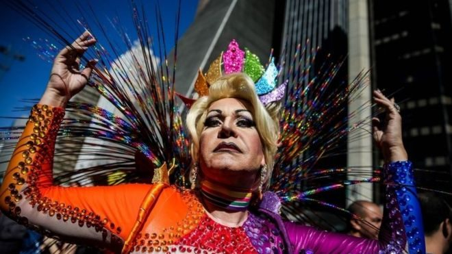 Gay Pride draws huge crowd in Sao Paulo