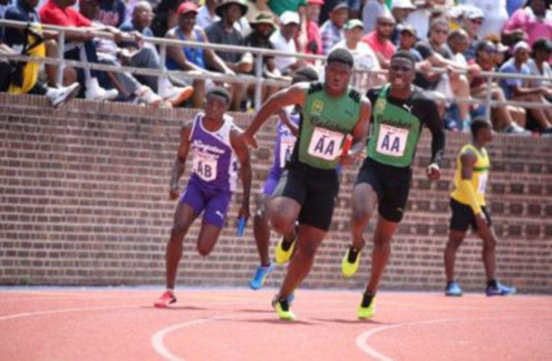 Jamaican high schools teams usually participate in the Penn Relays. (File hoto)