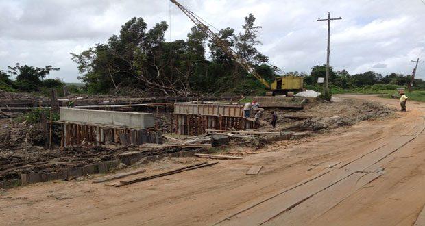 Moleson Creek Bridge under construction