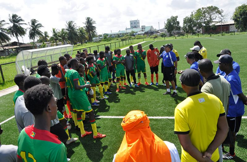 Unity is strength! Senior and Under-20 Golden Jaguars and technical teams listen to head coach Marcio Maximo and Wayne Dover following yesterday's session.