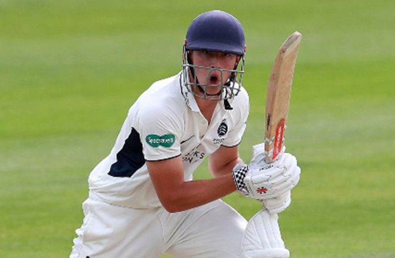 Teenager Josh de Caires has signed a three-year contract with English county Middlesex.