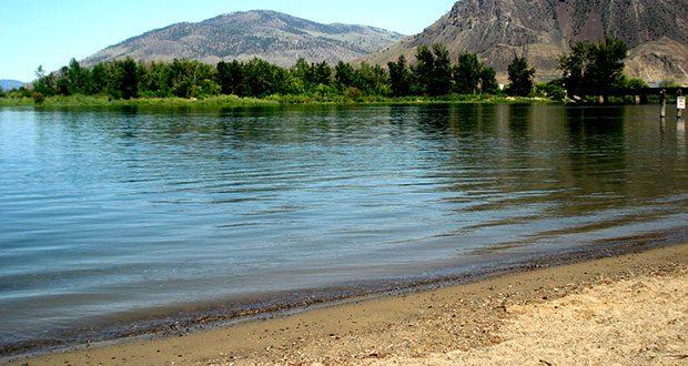 Kamloops_Riverside_Park_water