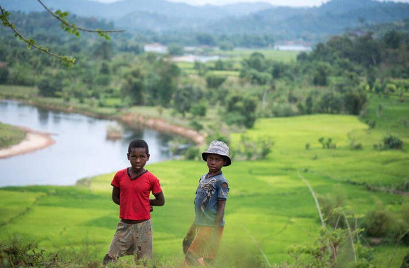 Children in Marovovonana, Madagascar (FAO photo)