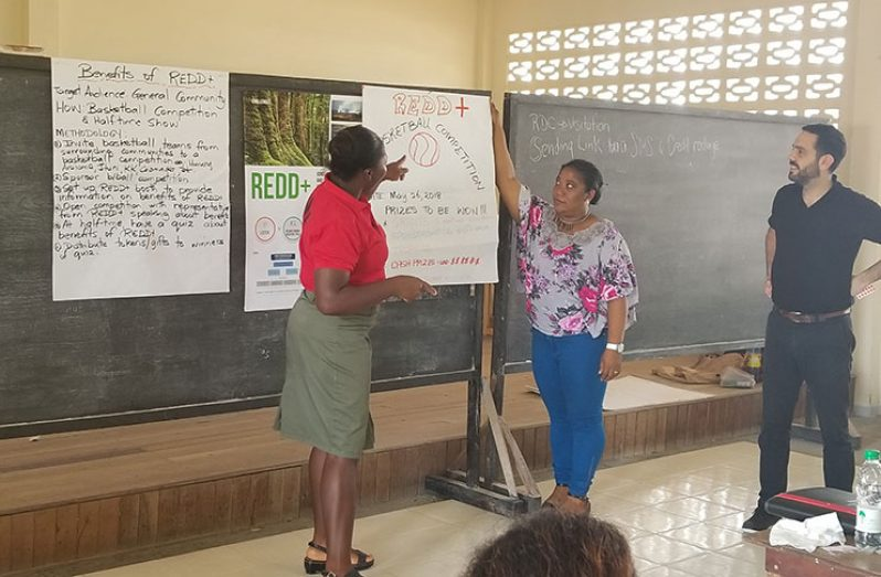 Stakeholder engagement on REDD+ Readiness at Kwakwani, Region 10