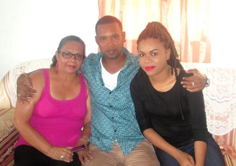 With her children Tawanda and Francine