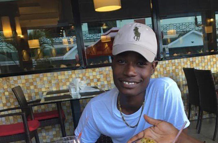 19-year-old Javon Hatton||Hatton's famous 'Meh' 'T'-shirt design