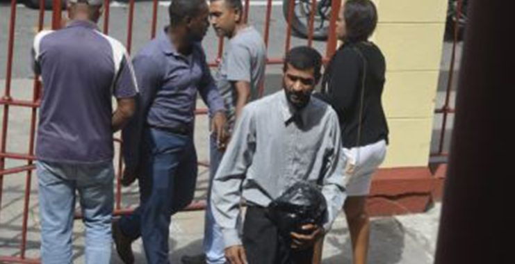 Minibus driver who threatened traffic rank remanded to prison